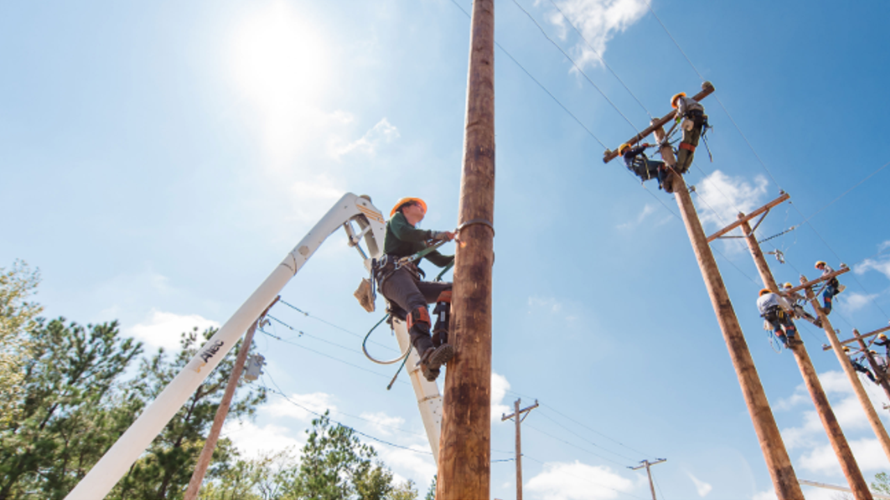 Lineworker students